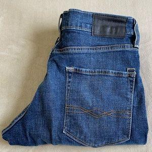 Levi's Denizen 208 Regular Taper Fit Jeans